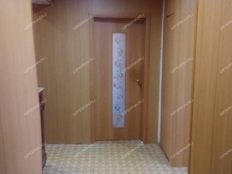 трёхкомнатная квартира на улице Комсомольская деревня Берёзовка