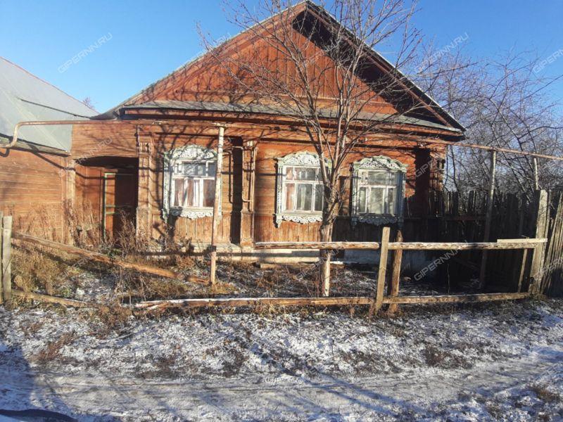 дом на улице 1 Мая рабочий посёлок Выездное